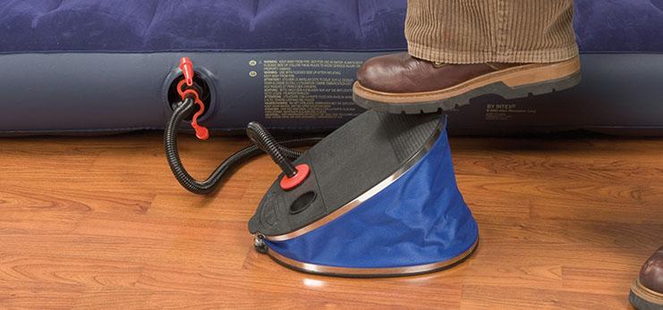 Как сдуть надувной матрас без насоса